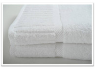 "18"" x 30"" 6 lb. Oxford Reserve White Spa Hand Towel"